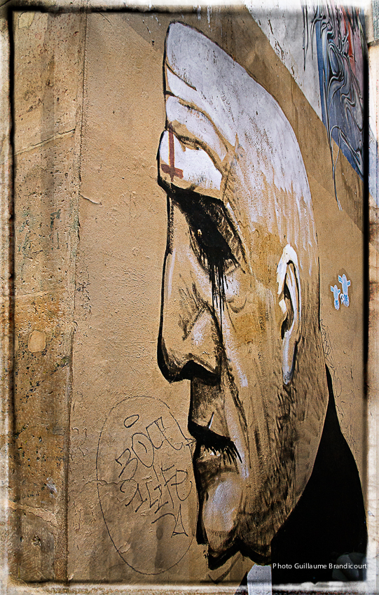 The Face, quelque part dans Paris Graph : Unknown Photo : GB 21 septembre 2013