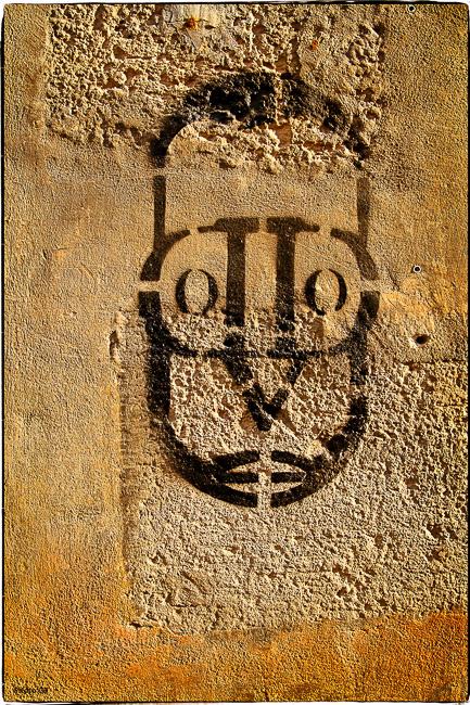 Le masque graphé aux couleurs du soleil 12 octobre 2013 Graph : Inconnu Photo GB