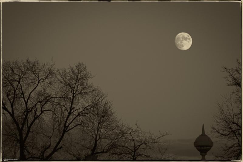 La permanente ronde de la Lune Paris 15 décembre 2013