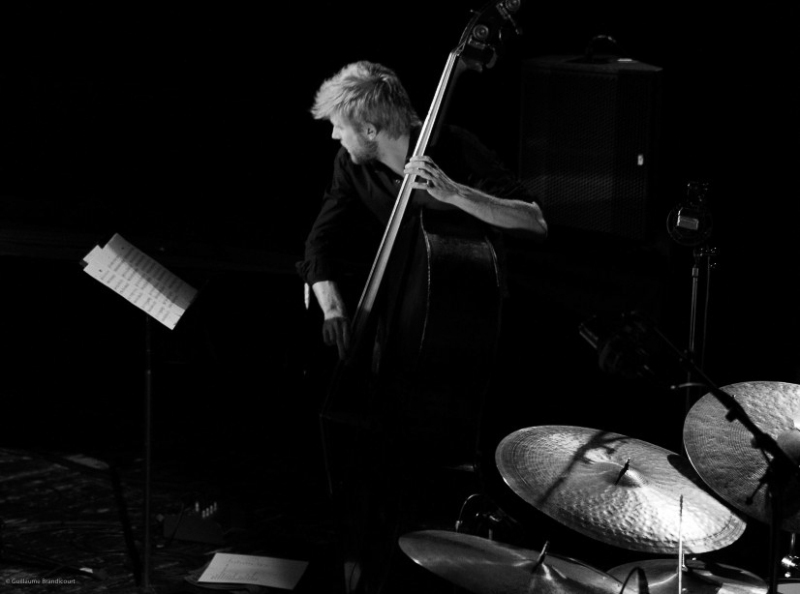 Stéphane Kerecki @Yaron Herman Quartet Live @Le Trianon 13 octobre 2013 (c) GB