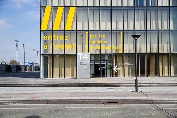 Absurdité contemporaine, Paris 4 mai 2013