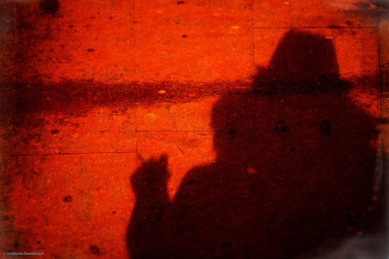 (Non) Autoportrait de fin d'hiver éternel à l'ombre portée de cigarette), Paris 17 mars 2013