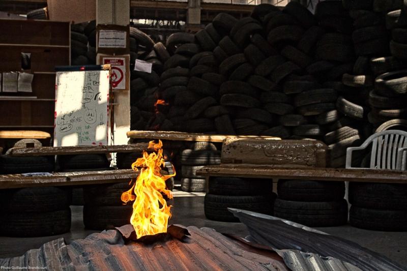 """Brasero, @""""Flamme éternelle"""" par Thomas Hirschhorn / Palais de Tokyo, Paris Mai 2014"""