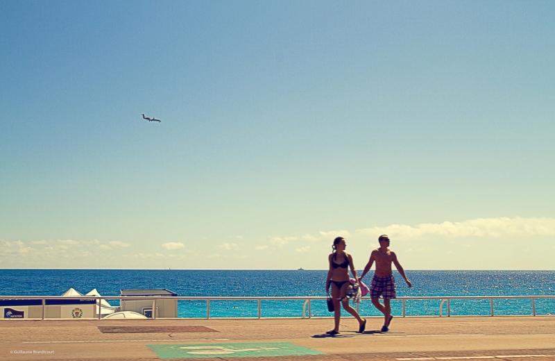 """""""Walk like an Egyptian"""" Promenade des Anglais Nice"""
